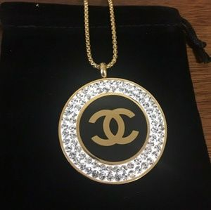Beautiful Chanel Gold Necklace 😍😍😍😍
